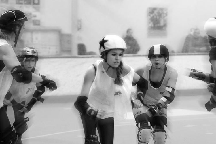 Une-jammeuse-_-roller-derby