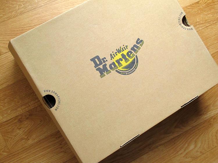 boîte-chaussures-Dr-Martens