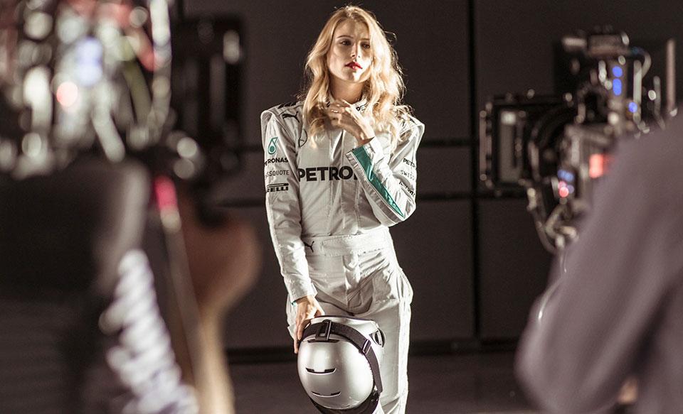 Dree Hemingway, Lewis Hamilton et Nico Rosberg dans la course !