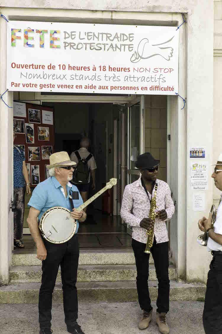 La Rochelle  fete entraide protestante la rochelle photo  Barbecue musical chez le Brave Rondeau