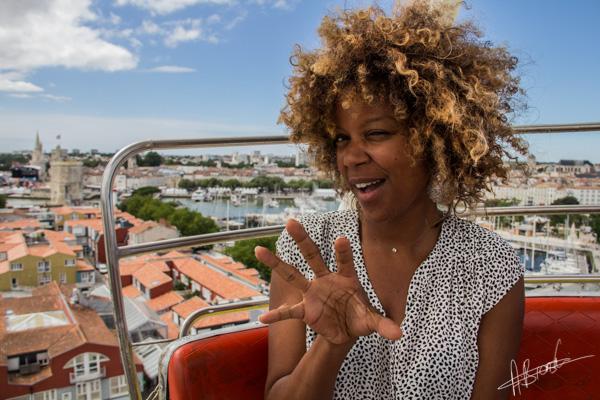 Valery Boston: elle suit sa voix à La Rochelle